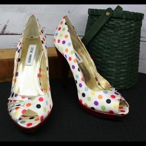 Super fun Steve Madden polka dot heels!